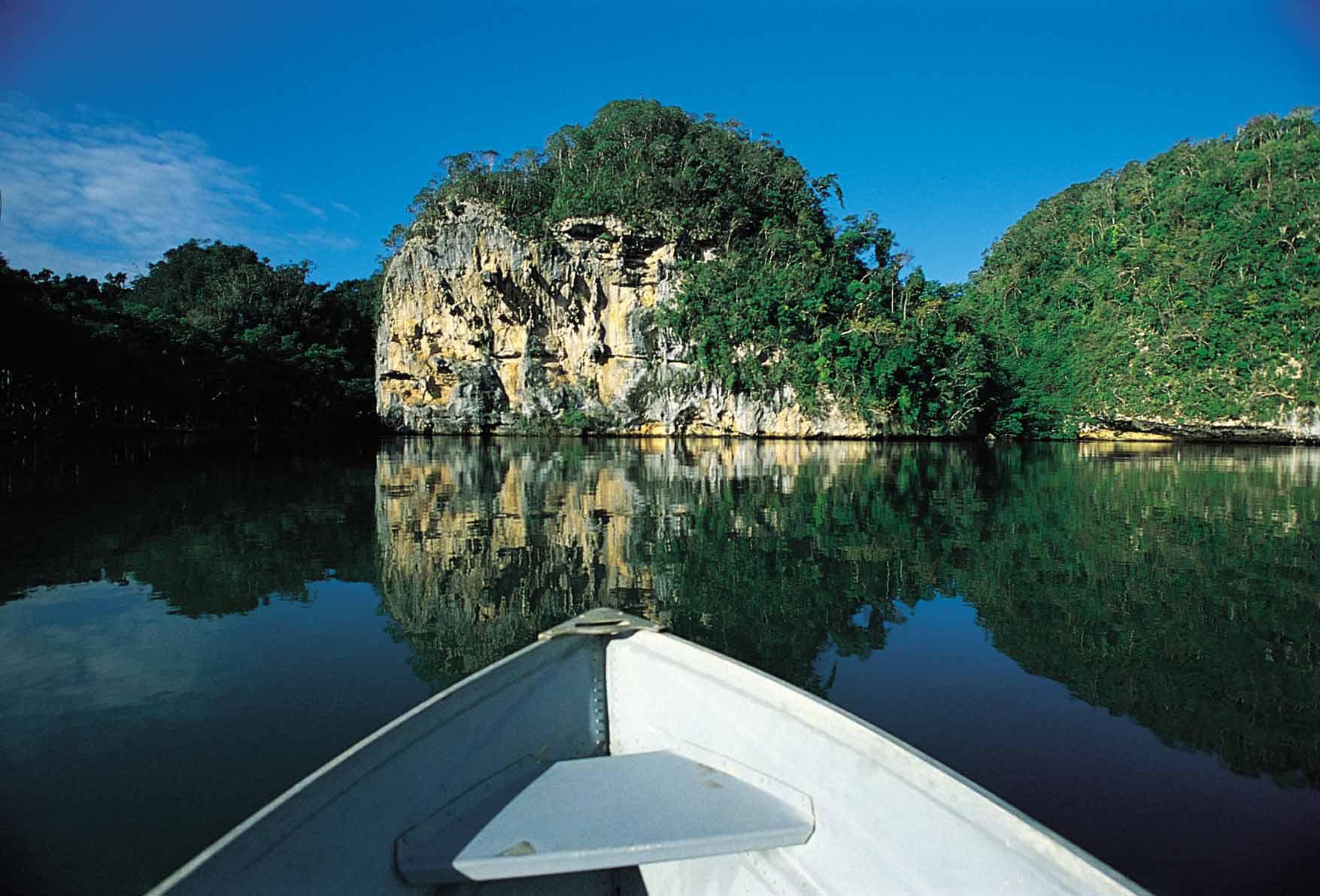Los-Haitises-National-Park-lres1